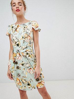 Closet London cap sleeve pencil dress in floral print - Cream multi