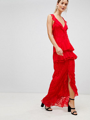 PrettyLittleThing Tiered Lace Maxi Dress