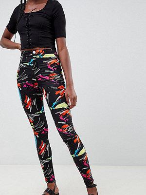 Asos Tall Rivington-jeans med hög midja och 90-talsmönster 90-talsmotiv