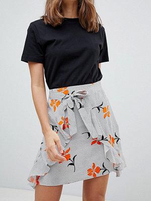 River Island Blommig kjol med omlottdetalj framtill Flerfärgad