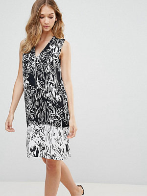 French Connection Copley Crepe Print Shift Dress - Black/summer white