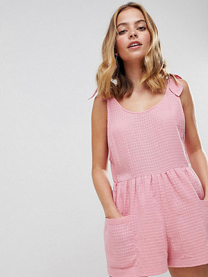ASOS Petite ASOS DESIGN Petite Smock Playsuit With Tie Shoulder - Rose