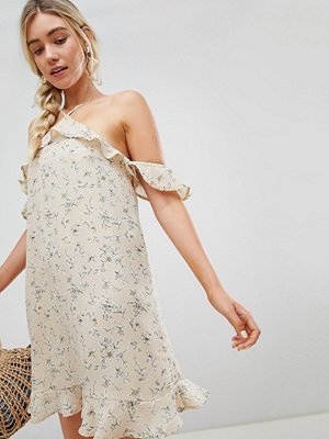 Lunik Dress With Cold Shoulder In Ditsy Floral Print - Frosted almond
