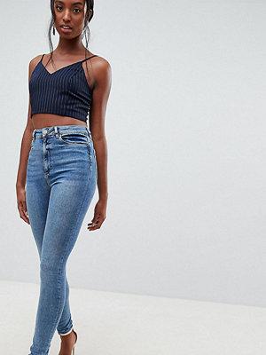 Asos Tall Ridley Smala jeans med hög midja Mellanblå färg