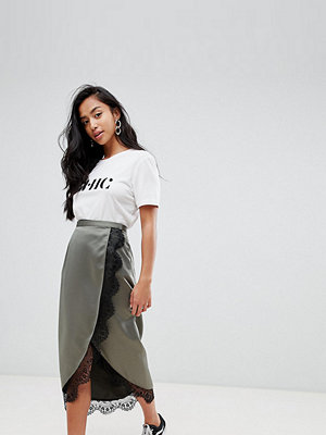 ASOS Petite ASOS DESIGN Petite wrap midi skirt with lace trim - Khaki