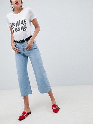 River Island Alexa Blå beskurna jeans med vida ben Light auth