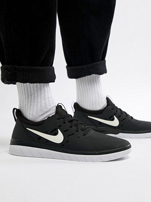 Nike Sb Nyjah Free Skateboarding Trainers In Black AA4272-001