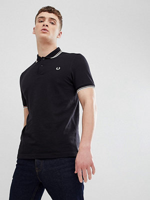 Pikétröjor - Fred Perry Twin Tipped Polo Shirt In Black - F78