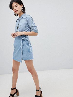 Vero Moda Stentvättad deminkjol med omlott Blå denim