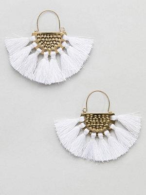 ASOS örhängen DESIGN Hammered Tassel Fan Earrings