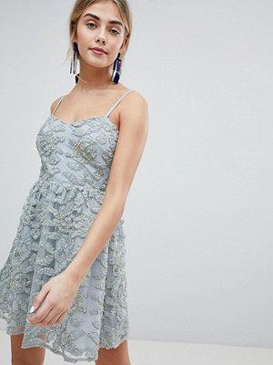 Dolly & Delicious 3D Applique Cami Strap Mini Prom Dress - Grey/gold