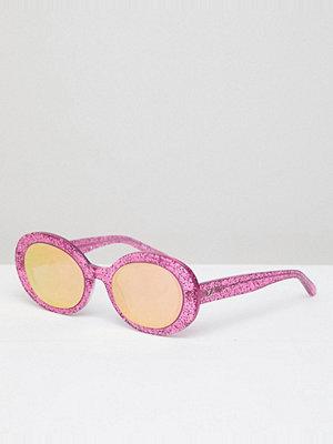 Solglasögon - Vow London Selena Oval Sunglasses In Pink Glitter