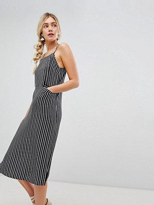 Warehouse midi cami dress with pocket detail in stripe - Stripe