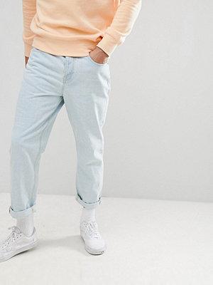 ASOS DESIGN Skater Jeans In Light Wash Blue - Light wash blue