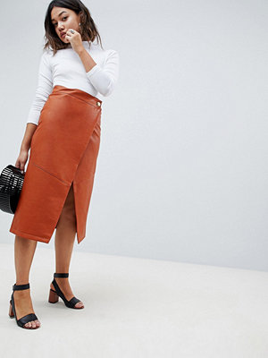 ASOS DESIGN leather look wrap midi skirt - Tan