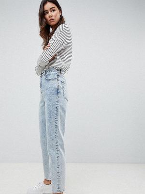 Asos Tall ASOS DESIGN Tall barrel leg boyfriend jeans in bella light wash - Bella light wash