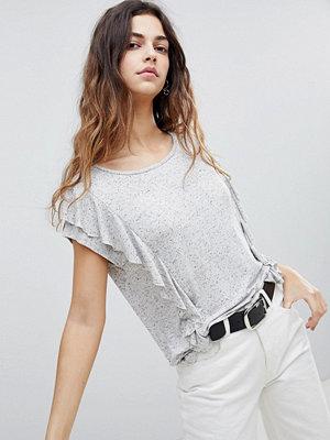 Soaked in Luxury Knottrig T-shirt med rynkad sida Ljusgrå