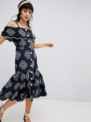 River Island midi dress with cold shoulder and cutwork detail - Navy embroidery