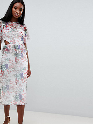 Asos Tall ASOS DESIGN Tall midi mesh tea dress in floral print with cut out detail