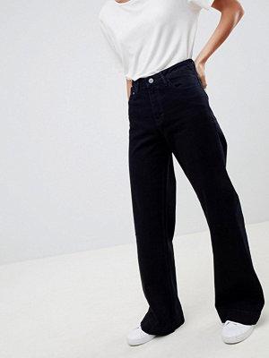 Wåven Fenn Flare Jeans - Solid navy