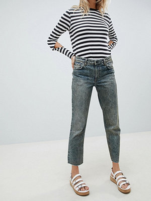 Cheap Monday Revive Korta jeans med raka ben Blue riot