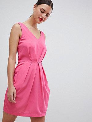 Closet London Pleated Sleeveless Dress