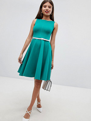Closet London Sleeveless Dress With Belt