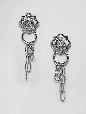 ASOS örhängen DESIGN earrings with engraved stud and hardware chains in silver - Rhodium