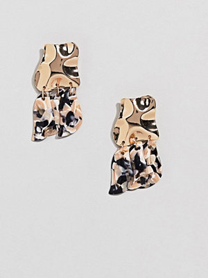 ASOS örhängen DESIGN earrings with textured metal disc and resin shapes