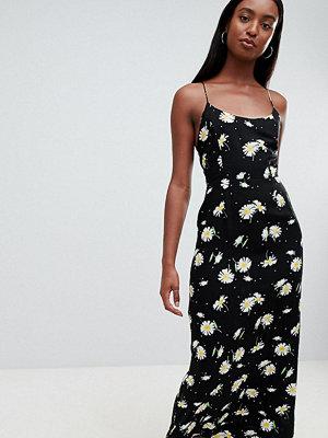 Asos Tall ASOS DESIGN Tall cami maxi dress in daisy print