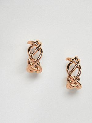 Reclaimed Vintage örhängen inspired twisted mini hoop earrings