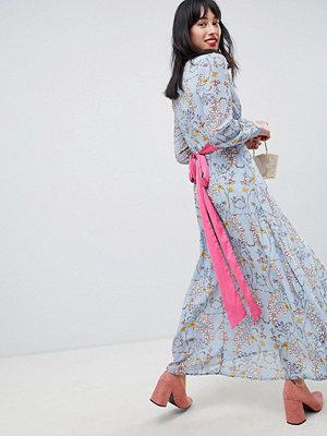 UNIQUE21 Unique 21 floral dress with pink belt
