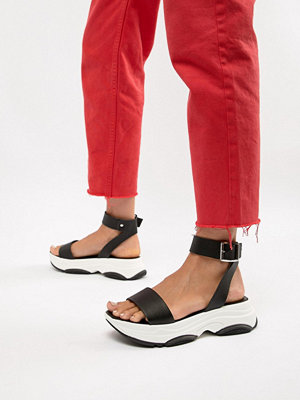 ASOS DESIGN Fencer chunky sporty flat sandals