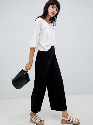 ASOS DESIGN Stickade culotte-byxor med bred ribbning