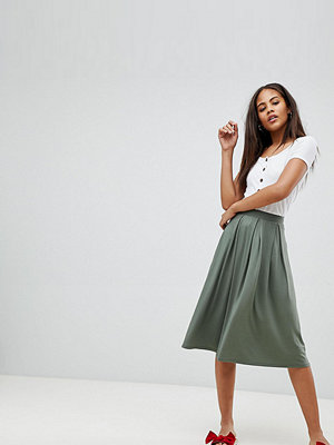 Asos Tall ASOS DESIGN Tall midi skirt with box pleats - Khaki