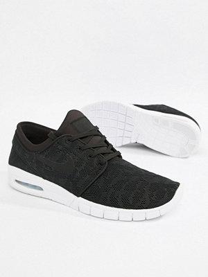 Nike Sb Stefan Janoski Max Skateboarding Trainers In Black 631303-022