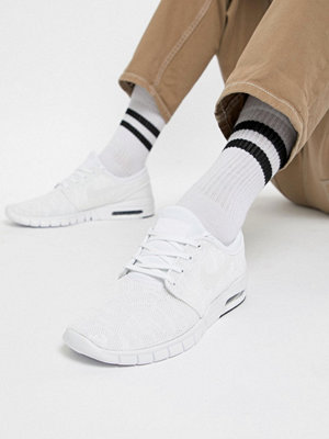 Nike Sb Stefan Janoski Max Skateboarding Trainers In White 631303-114