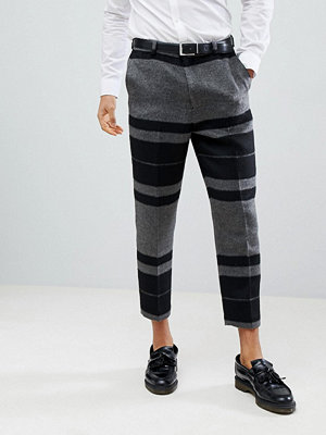 ASOS DESIGN Tapered Smart Trousers In Hairy Bold Stripe