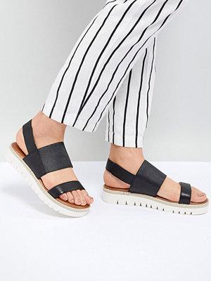 Aldo Black Wide Strap Flat Leather Sandal With Track Sole - Black leather