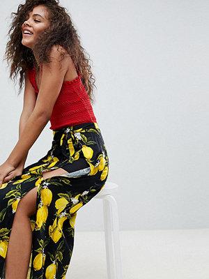 Glamorous Tall Citronmönstrad maxikjol i omlottmodell med knytning i midjan och slitsar framtill Svart citronmönste