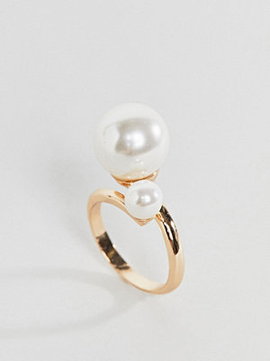 Monki double pearl ring