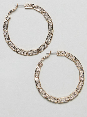 ASOS örhängen DESIGN hoop earrings with vintage style twist design