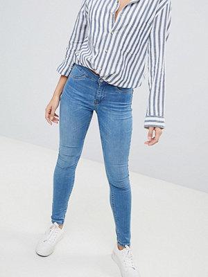 Jdy Blå jeans med medelhög midja och skinny fit Mellanblå