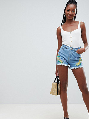 Influence Tall Blommiga broderade jeansshorts Denim