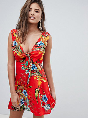 PrettyLittleThing Tropical Plunge Mini Dress