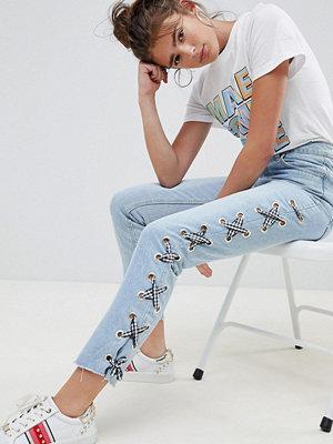 Daisy Street Jeans med spesdetalj