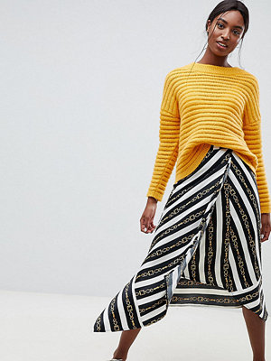 Asos Tall ASOS DESIGN Tall hanky hem midi wrap skirt in chain print - A chain stripe