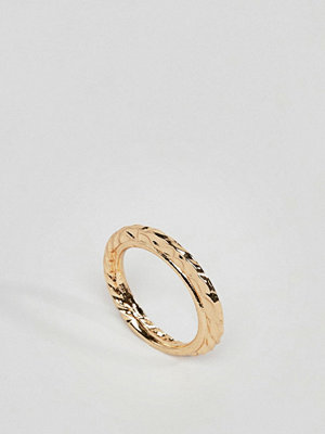 ASOS DESIGN ring with double band and hammered detail