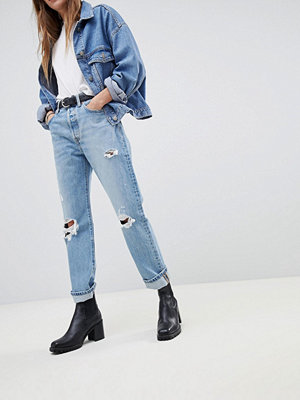 Levi's 501 Crop Jean with Abrasions - Authentically yours