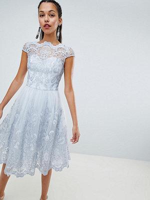 Chi Chi London premium lace midi dress with cap sleeve